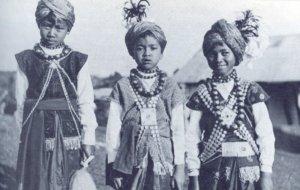 Khasi_tribe_para_dance